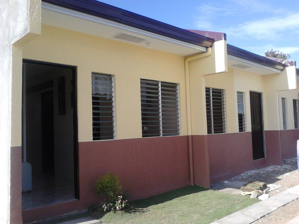 Ckl homes mactan house and lot for sale as cheaper subdivision for Row house designs small lots